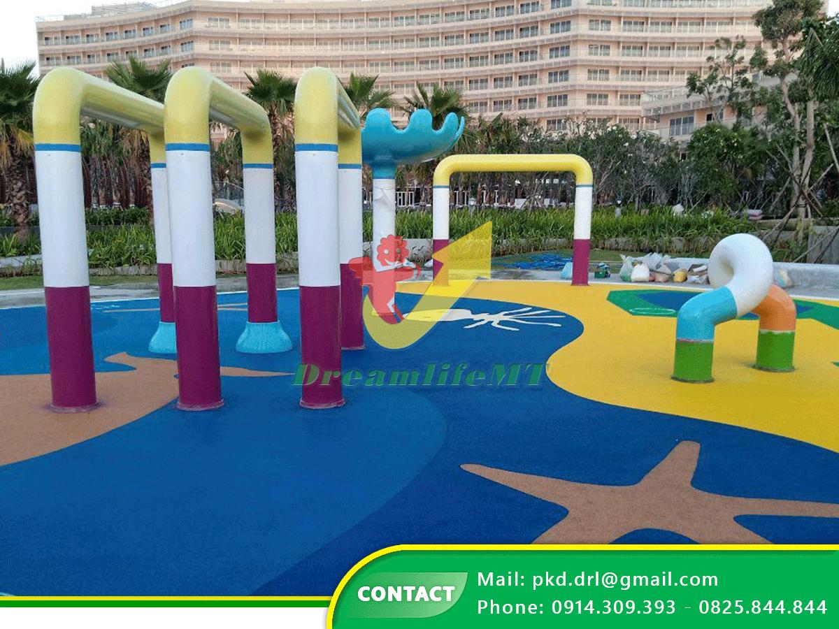 DREAMLIFE MT thi công thiết bị phun nước và san cao su EPDM cho resort Pullman Phú Quốc