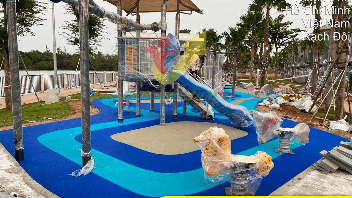 Thi công sân chơi ngoài trời tại Lavila Kiến Á, Nhà Bè